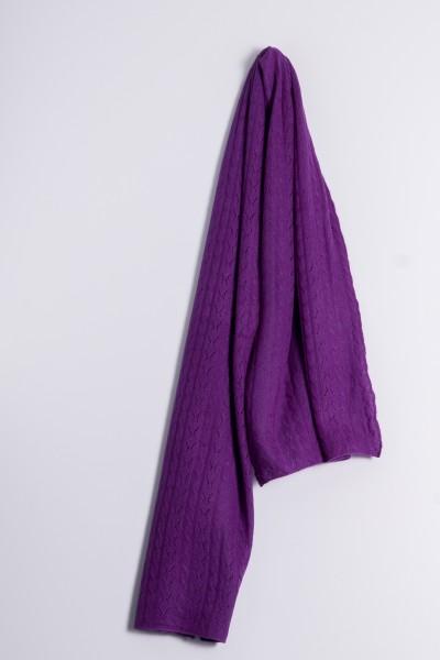 Écharpe en tricot torsadé lila